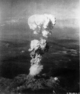 800px-Atomic_cloud_over_Hiroshima