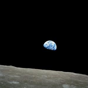 1024px-NASA-Apollo8-Dec24-Earthrise
