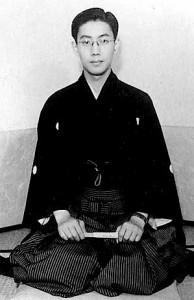 Raizō_Ichikawa_VIII_April_1951